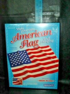QUINCRAFT MAKE AN AMERICAN FLAG WALL HANGING KIT NEW IN BOX NEVER OPENED 17505
