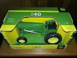 Ertl John Deere 1953 40 Tractor  Wide Front  1/16 Die Cast  #45227   NOS