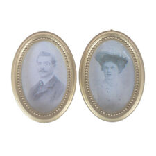 2Pcs/Set Dollhouse Miniature Victorian Gentleman Lady Picture Oval Photo Frame