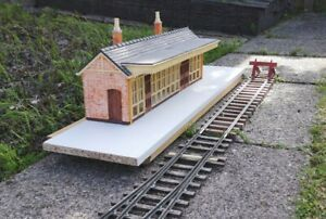 G scale station building