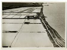 Survol de l'Etang de Berre 1935 : vue aérienne basse altitude - Photo d'époque