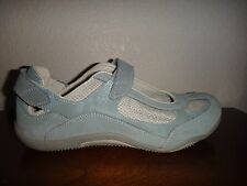 PREDICTIONS~Women's Flat Sneakers~Light Blue Gray~Adjustable Straps~US Size 10