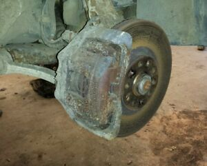 Audi A6 C5 Allroad 2.5tdi V6 132kw front calipers left and right