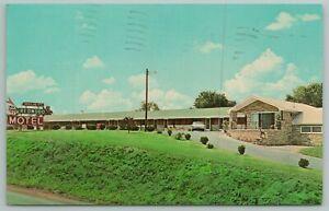 Breezewood Pennsylvania~Ritchey's Redwood Motel~Vintage Postcard