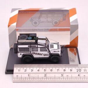 Land Rover Defender 110 ROC Diecast Models Toys Car Big Wheel White 1:64 Master