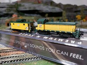 N Scale Chicago North Western BWL NW2 and Atlas Caboose