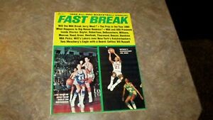 1969 All Pro Basketball Annual Fast Break Official Magazine Jerry West,Dave Bing