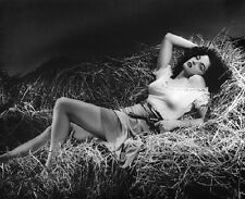 "Actress Jane Russell in the 1943 movie, ""The Outlaw"" 8""x 10"" Photo 42"