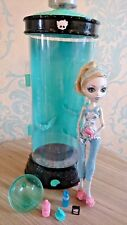 Monster High Lagoona Dead Tired Doll and Bed
