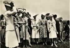 La Mode aux Courses  Vintage silver print Tirage argentique  13x18  Circa