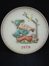 HUMMEL / GOEBEL 1979 ANNUAL PLATE - SINGING LESSON