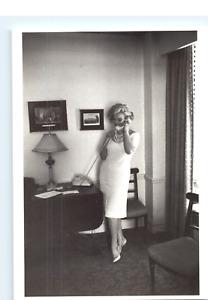 Marilyn Monroe In Ambassador East Hotel Presidential Suite Chicago Illinois