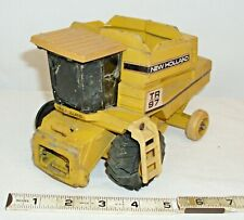 ERTL NEW HOLLAND TR97 FARM COMBINE TO RESTORE OR PARTS 1:32 SCALE