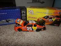 1/24 KEVIN HARVICK #29  SYLVANIA BW /BANK 2002 ACTION NASCAR