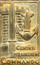 Centre Entrainement Commando, GIVET, sans S, dos lisse embouti,Drago 2005 (3298)