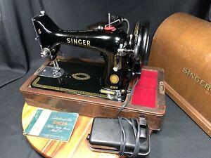 Singer 99K Sewing Machine  in Bentwood Case