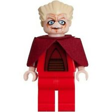 LEGO® Star Wars™ Chancellor Palpatine - Original capes replaced with custom ones