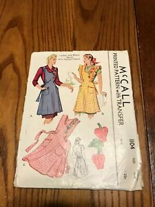 VTG 1940/50's McCall Full  Apron w/Applique Peppers Pattern