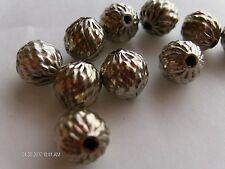 V755-1 gross 10mm Embossed Metal Round Beads-FABULOUS TEXTURE!
