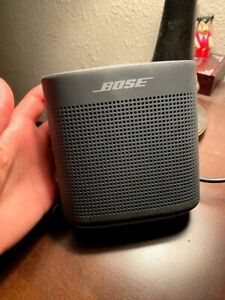 bose soundlink 2 bluetooth speaker wireless indoor use only + MicroUSB charger
