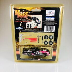 Nascar Pit Action Service Kit 1:43 Car w/ accessories EXIDE #99 JEFF BURTON