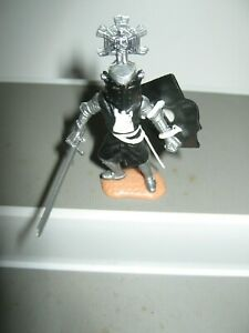 Timpo knights of the middle ages black/ white1960/ 70' very good condition