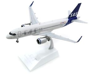 JCWINGS JC2368 1/200 SAS SCANDINAVIAN AIRLINES A320NEO REG: SE-ROH WITH STAND