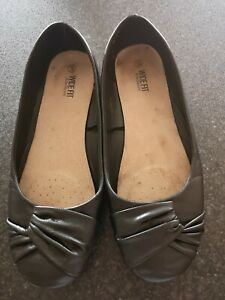 Large wide fit Ladies flat Ballet pumps size 43