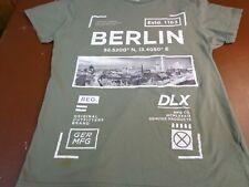 Cedarwood State Green Berlin  Logo T Shirt   Medium   F45