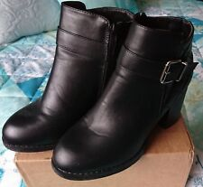 "Black Boots by Beyou  Size 5, 3"" heel"