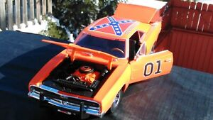 The Dukes Of Hazzard General Lee 1969 Dodge Charger 1:18 With Face Mask