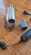 Canon Zr600 MiniDv Digital Video Camcorder 25X Optical Zoom w/power cord battery