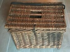 Traditional Vintage Woven Willow Fishing Creel Seat Basket in nice condition