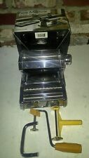 PASTA MACHINE  01-0201 CHROME PLATED STEEL.DOUBLE CUTTINGD . ADJUSTABLE ROLLERS