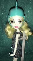 Monster High Lagoona Blue Skultimate Roller Maze Skates derby Girl Doll W Helmet