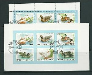World Birds can be used, mint hinged or C.T.O. Lot 43