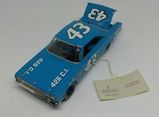 FRANKLIN MINT 1967 PLYMOUTH GTX BELVEDERE #43 RICHARD PETTY 1/24 SCALE DIE CAST
