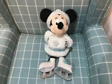 OFFICIAL DISNEY STORE ICE SKATING MINNIE MOUSE SOFT TOY PLUSH BADGE TO FOOT