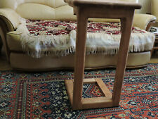 strong and reliable table, a primitive / rustic style, a serving table, an attac
