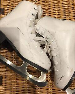 SFR Galaxy figure ice skates uk size 1 good condition (few scuffs)