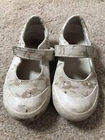 Clark's Girls Air Spring Shoes Size UK 8 g Neutral Beige Cream Rabbits