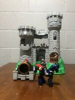 Fisher Price Great Adventures Castle #7110 Medieval Vintage 1994 with 7 Knights