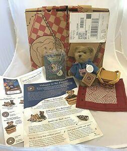 Morgan B. Berriweather Boyd's Bears Stuffed Plush Picnic With Molly Pin With Box