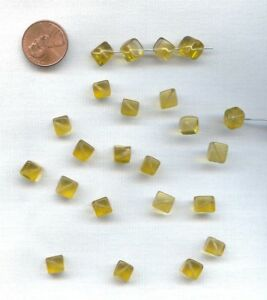 24 VINTAGE GLASS YELLOW CITRINE HANDMADE 7mm. SMOOTH CUBE BEADS  D287