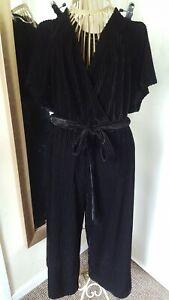 Nwot Ladies Cropped Leg Velvet Feel Cord Jumpsuit Size 14 By New Look
