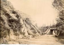 France, campagne de campagne française passant sous un petit pont, lieu à identi