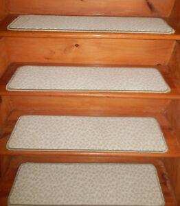"13 Step  9'' x 32'' + 1 Landing 29"" x 32''  Tufted carpet Wool  Stair Treads ."