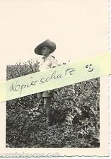 Foto Kampfgeschwader 51 , Edelweiß Geschwader Soldat mit Strohhut