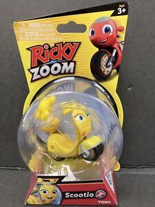 Ricky ZOOM Scootio Yellow Scooter NIP 3+