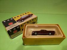 VANGUARDS VA34002 FORD CAPRI 109E - DARK RED 1:43 - NEAR MINT IN BOX